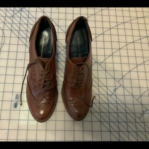 Tommy Hilfiger 9M Oxford Shoes